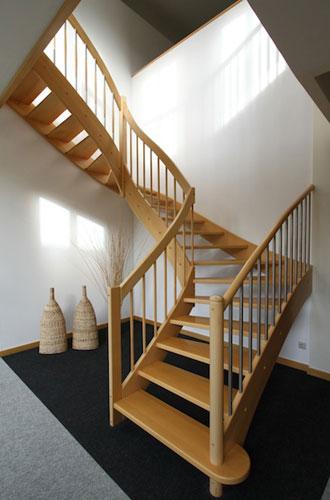 nicht nur optisch ein gewinn perfekte treppen machen das eigenheim alltagstauglich treppen. Black Bedroom Furniture Sets. Home Design Ideas