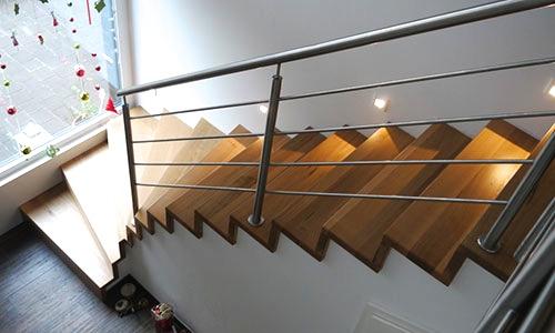 vierhaus treppen aus holz gmbh plz 46354 s dlohn individuelle kragarmtreppe finden sie. Black Bedroom Furniture Sets. Home Design Ideas