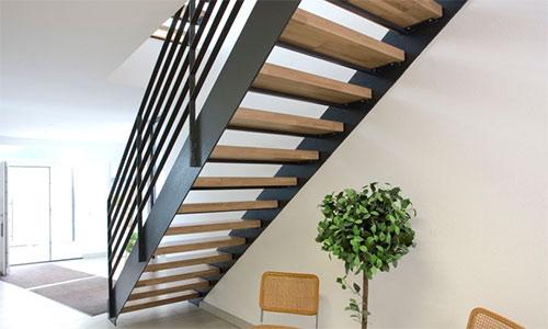 treppenanbieter und treppenbauer aus k ln leverkusen bonn treppen treppenbau holztreppen. Black Bedroom Furniture Sets. Home Design Ideas