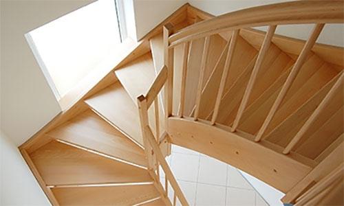 dreilufige fabulous interesting with treppe with dreilufige cool free treppe handlauf hhe. Black Bedroom Furniture Sets. Home Design Ideas
