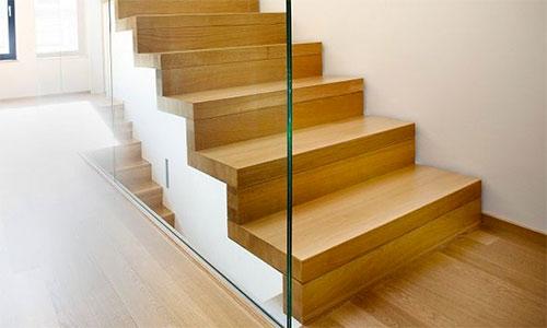leistungen wangentreppen freitragende treppen faltwerktreppen stahl holz treppen gel nder. Black Bedroom Furniture Sets. Home Design Ideas