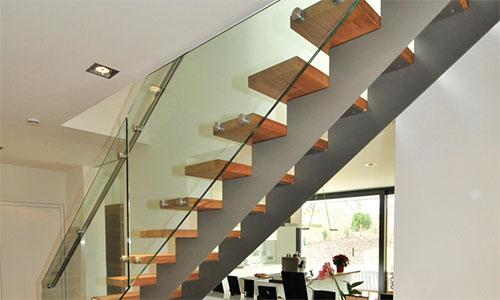 becker holztreppenbau finden sie treppenbauer f r ihre. Black Bedroom Furniture Sets. Home Design Ideas