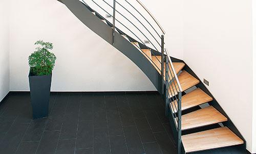 fuchs treppen finden sie treppenbauer f r ihre pers nliche treppe. Black Bedroom Furniture Sets. Home Design Ideas