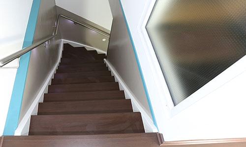 H & K Treppenrenovierung • Treppen • Treppenbau • Holztreppen ...