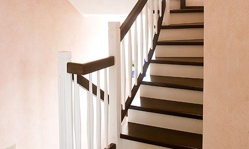 Moderne Holztreppe k & r treppen gmbh | finden sie treppenbauer für ihre persönliche treppe