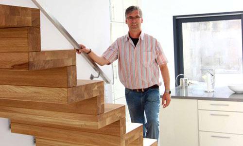 tbs schmidt gmbh treppen treppenbau holztreppen. Black Bedroom Furniture Sets. Home Design Ideas