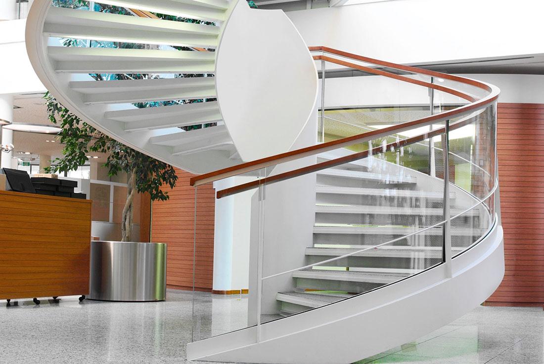 nautilus treppen plz 07937 zeulenroda wendeltreppe aus stahl mit glasgel nder finden sie. Black Bedroom Furniture Sets. Home Design Ideas