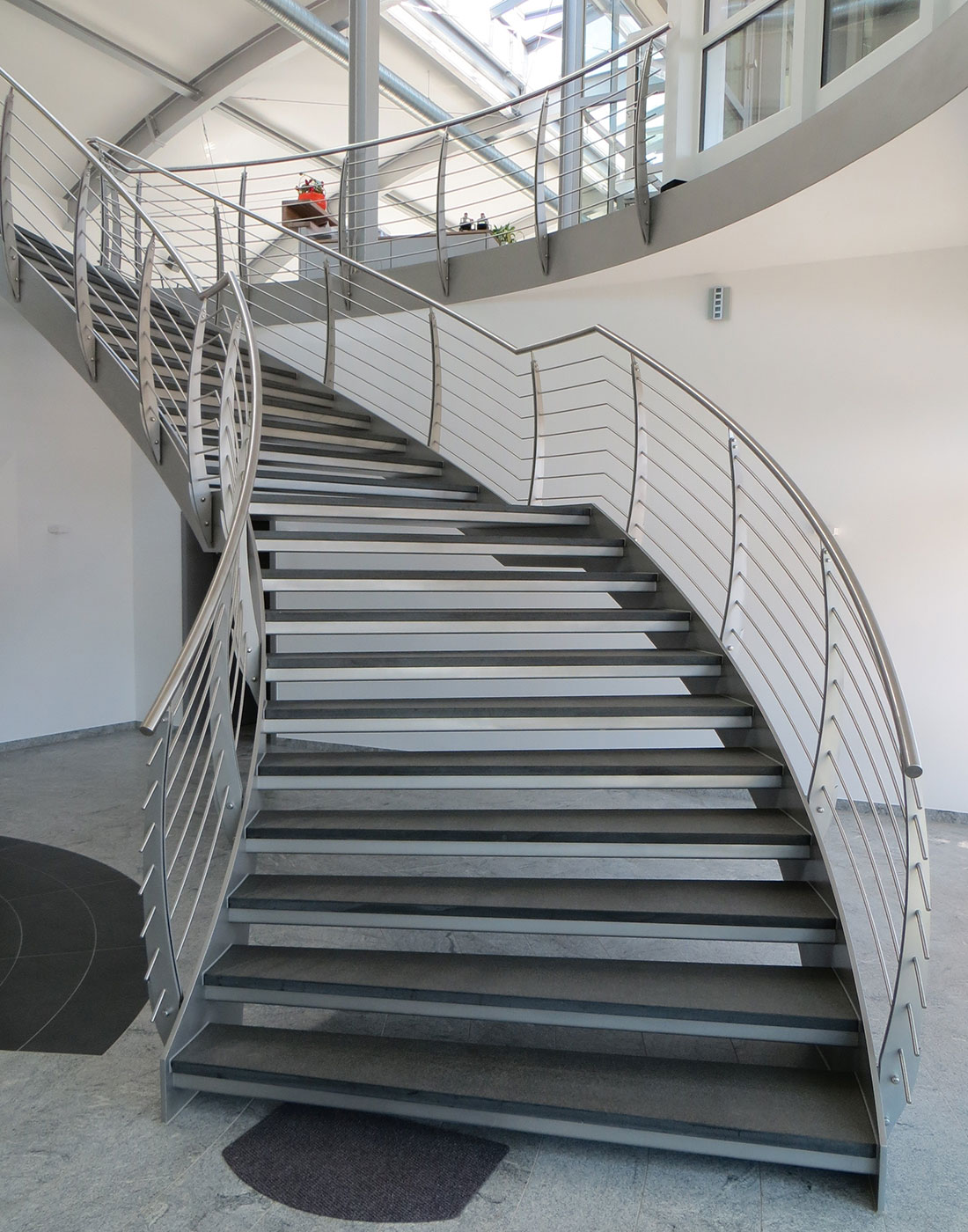 treppen partner pietsch partner gmbh plz 99974 m hlhausen wangen flachstahl steintreppe. Black Bedroom Furniture Sets. Home Design Ideas
