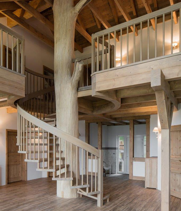b the treppen plz 99974 m hlhausen spindeltreppe aus massivholz finden sie treppenbauer. Black Bedroom Furniture Sets. Home Design Ideas