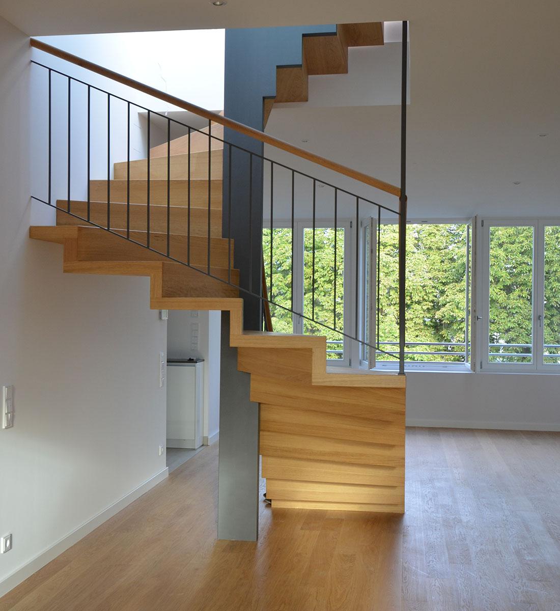 treppenbau diehl plz 60435 frankfurt freistehende faltwerktreppe treppen treppenbau. Black Bedroom Furniture Sets. Home Design Ideas