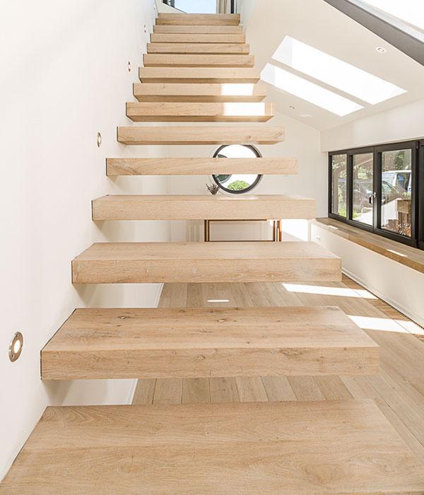 treppenbau vo plz 23858 reinfeld kragarmtreppe in der holzart eiche finden sie. Black Bedroom Furniture Sets. Home Design Ideas