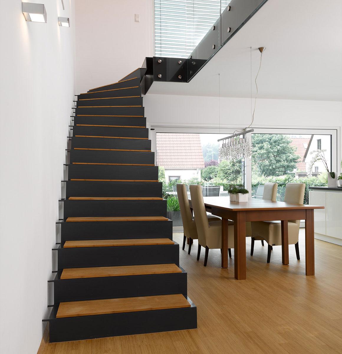 haubner treppen plz 92318 neumark faltwerktreppe mit stufenauflegern aus massivholz finden. Black Bedroom Furniture Sets. Home Design Ideas