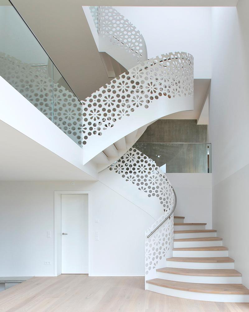 nautilus treppen plz 07937 zeulenroda wendeltreppe mit designgel nder finden sie. Black Bedroom Furniture Sets. Home Design Ideas
