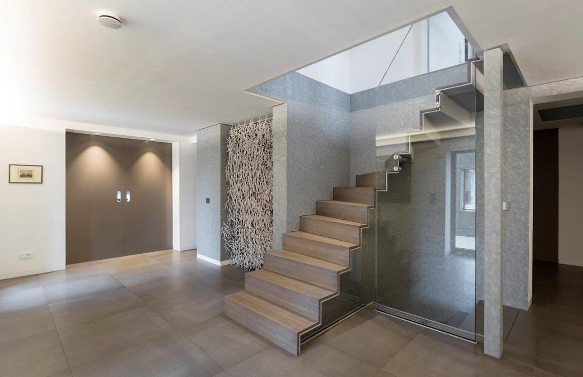 nautilus treppen plz 07937 zeulenroda faltwerktreppe aus stahl mit massivholzstufen finden. Black Bedroom Furniture Sets. Home Design Ideas