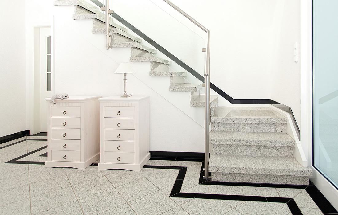 werthebach plz 57072 siegen renovierung des hausflures. Black Bedroom Furniture Sets. Home Design Ideas