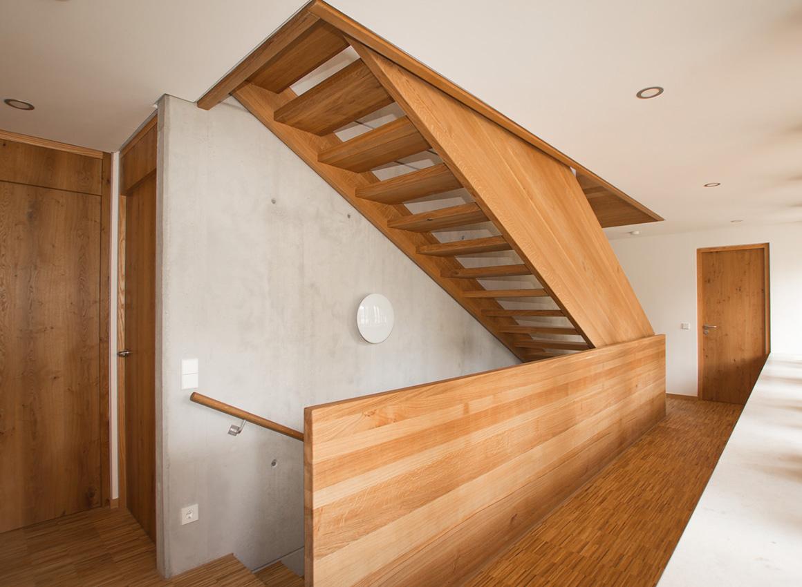 holzmanufaktur ballert plz 73257 k ngen individuelle wangentreppe treppen treppenbau. Black Bedroom Furniture Sets. Home Design Ideas
