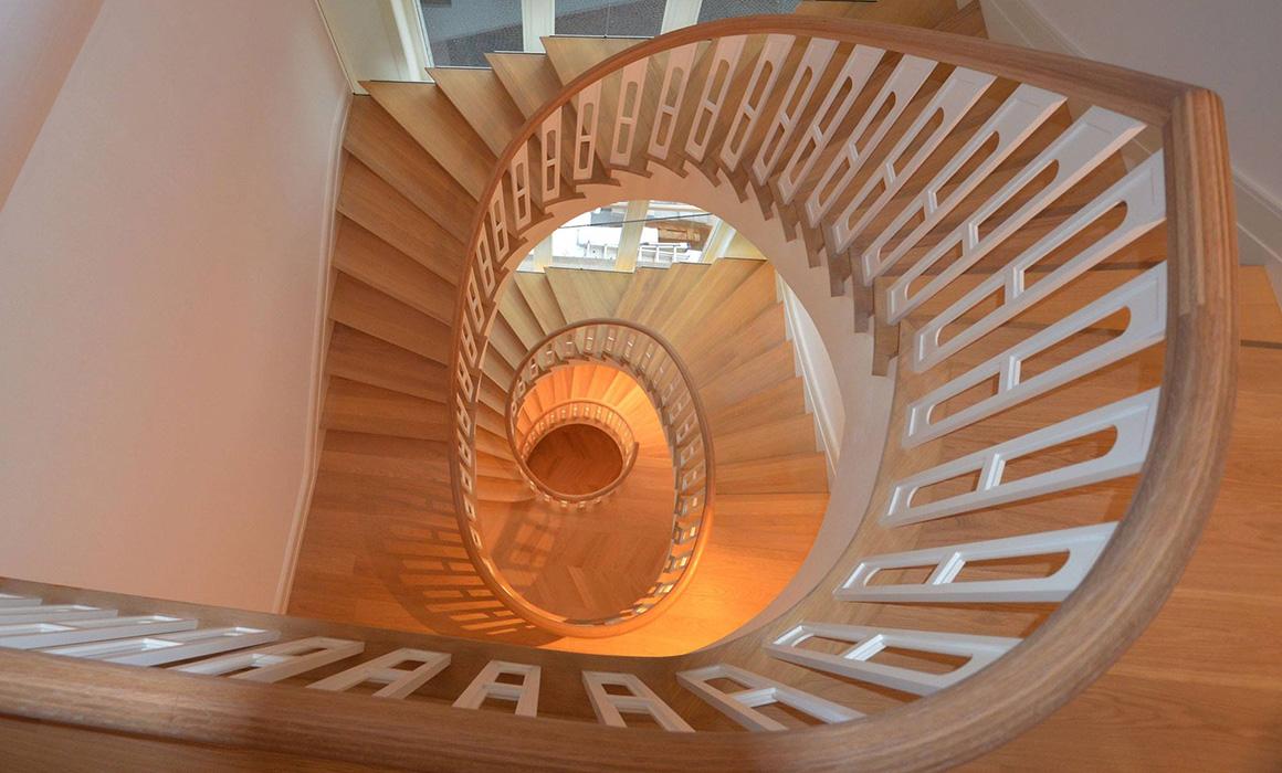 Treppen Frankfurt treppenbau diehl plz 60435 frankfurt aufgesattelte holztreppe