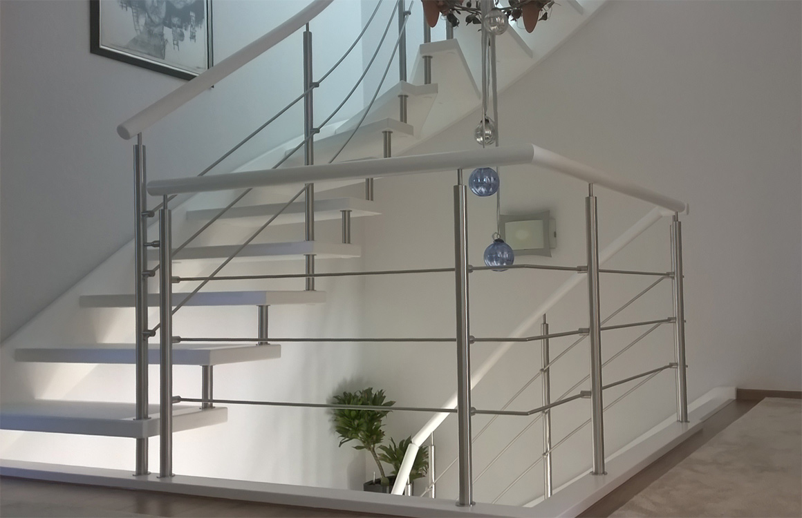 Treppenbauer Rostock ms treppen | plz 18146 rostock | einwangentragbolzentreppe in weiß