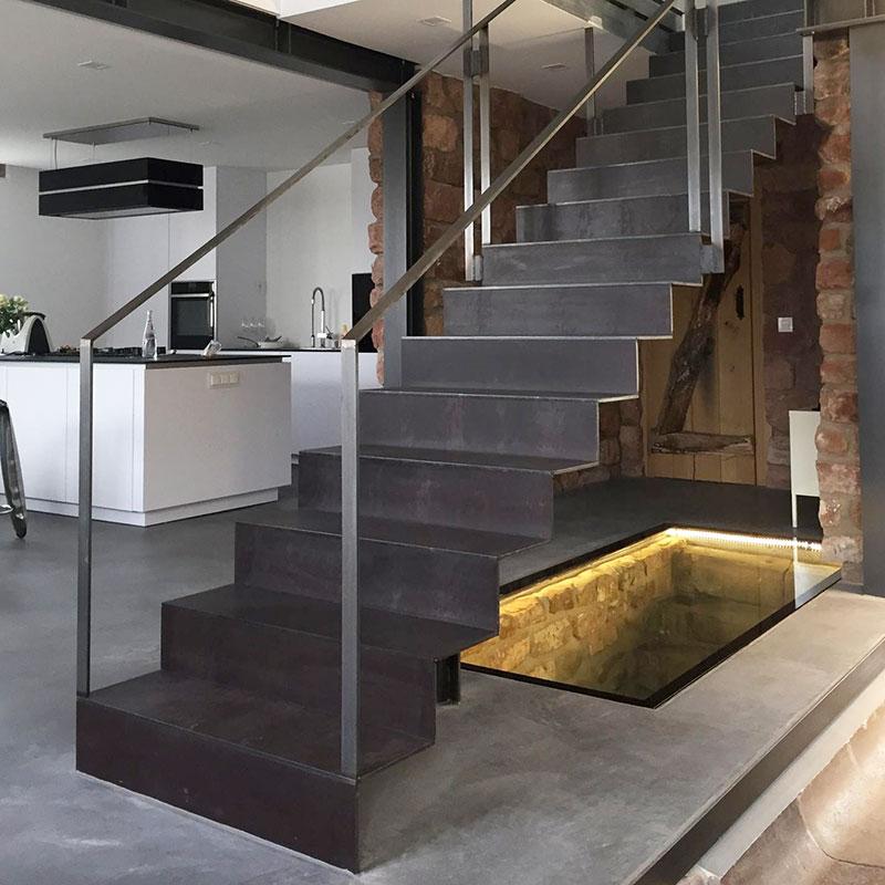 alle treppen varianten finden sie treppenbauer f r ihre pers nliche treppe. Black Bedroom Furniture Sets. Home Design Ideas