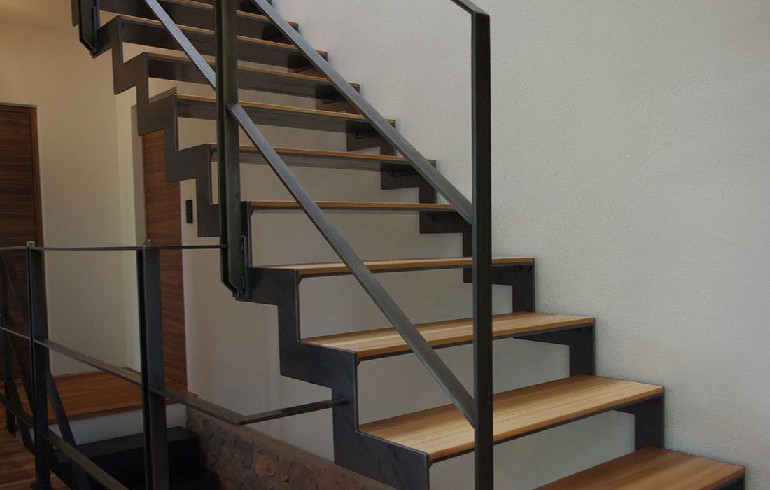 interbau s dtirol treppen i 39040 auer stahltreppe mit. Black Bedroom Furniture Sets. Home Design Ideas