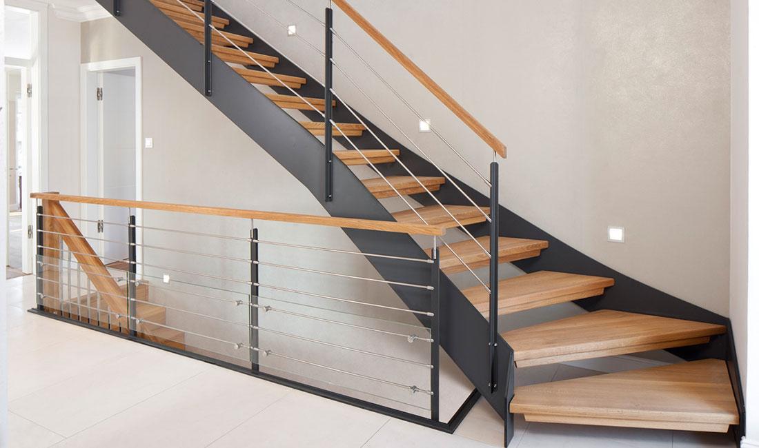 treppenbau vo plz 23858 reinfeld hpl wangentreppe mit holzstufen finden sie treppenbauer. Black Bedroom Furniture Sets. Home Design Ideas