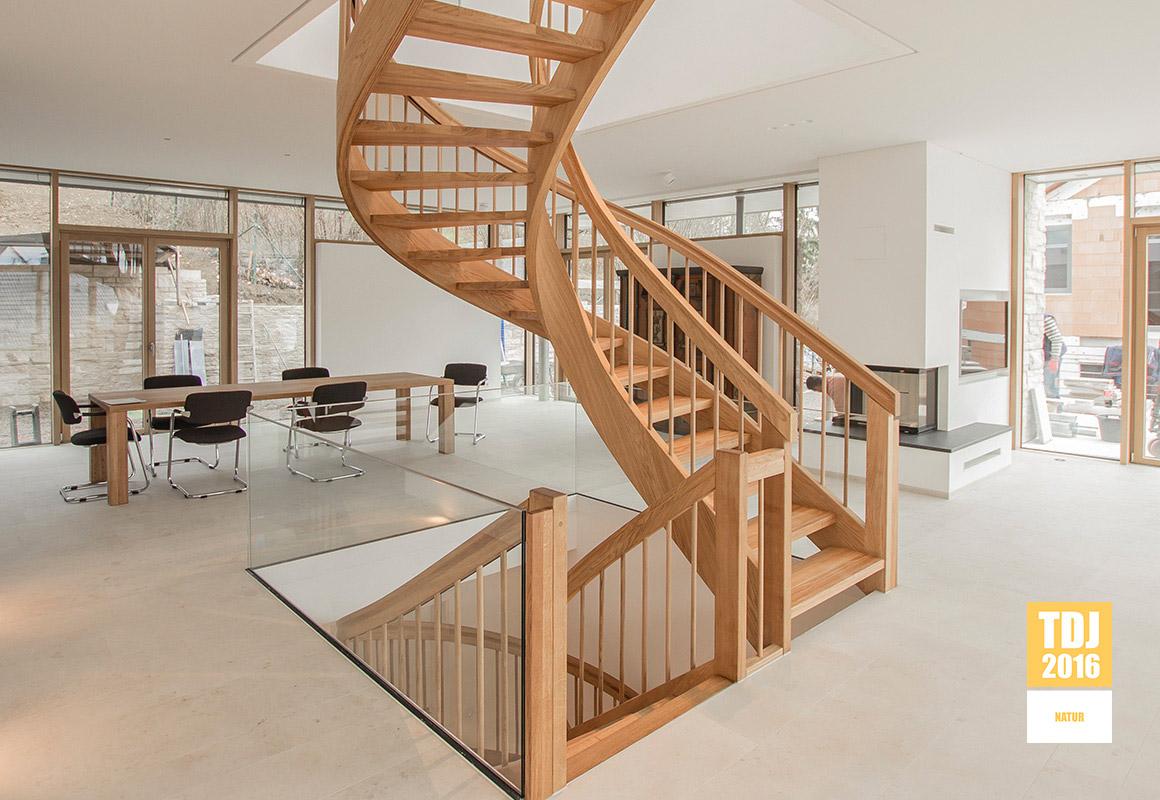 holzmanufaktur ballert plz 73257 k ngen individuelle bogentreppe treppen treppenbau. Black Bedroom Furniture Sets. Home Design Ideas
