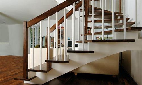 was sie ber treppen wissen sollten finden sie treppenbauer f r ihre pers nliche treppe. Black Bedroom Furniture Sets. Home Design Ideas